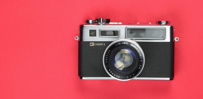 The Yashica G, front camera body with a Zeiss 50mm 1.2