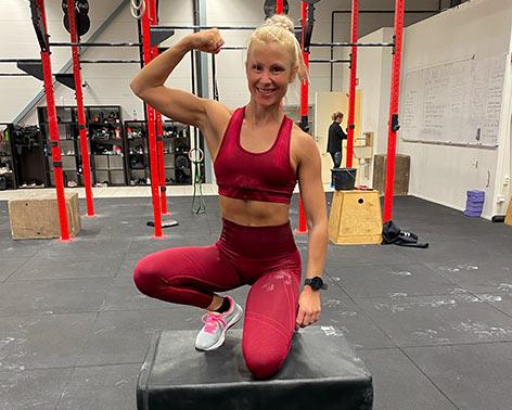 beret hartviksen flexer biceps