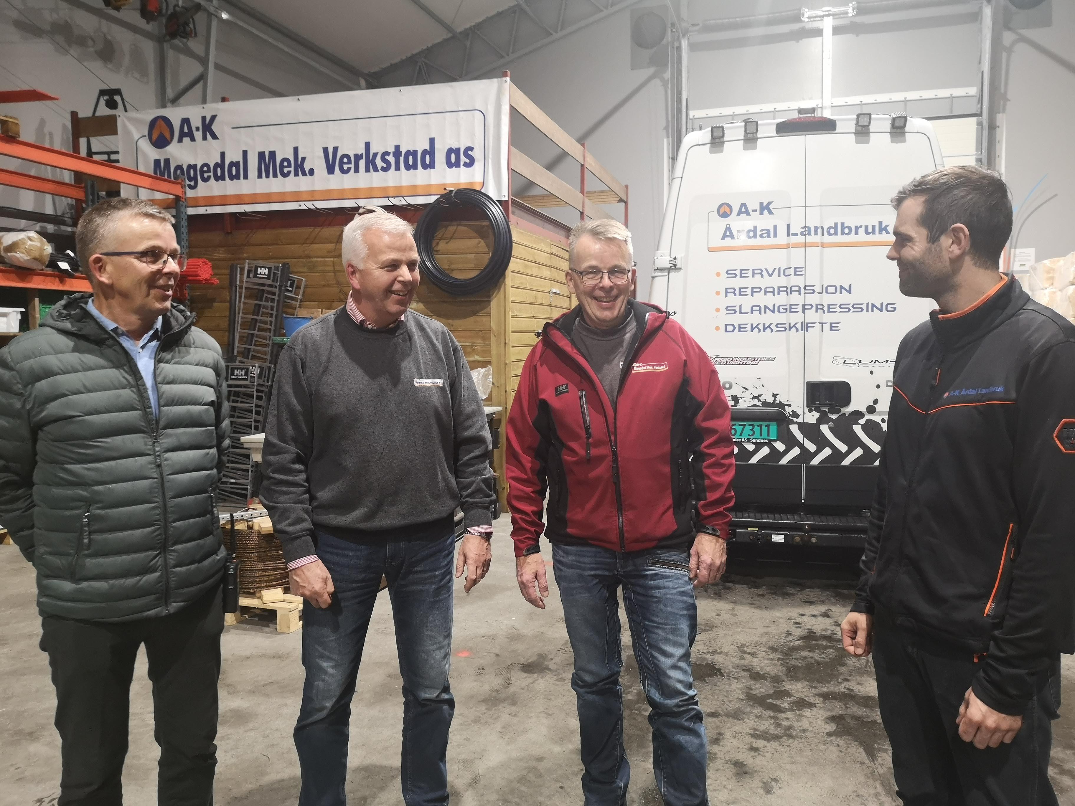 Bilete av brødrene Werner, Leif og Geir Bakka