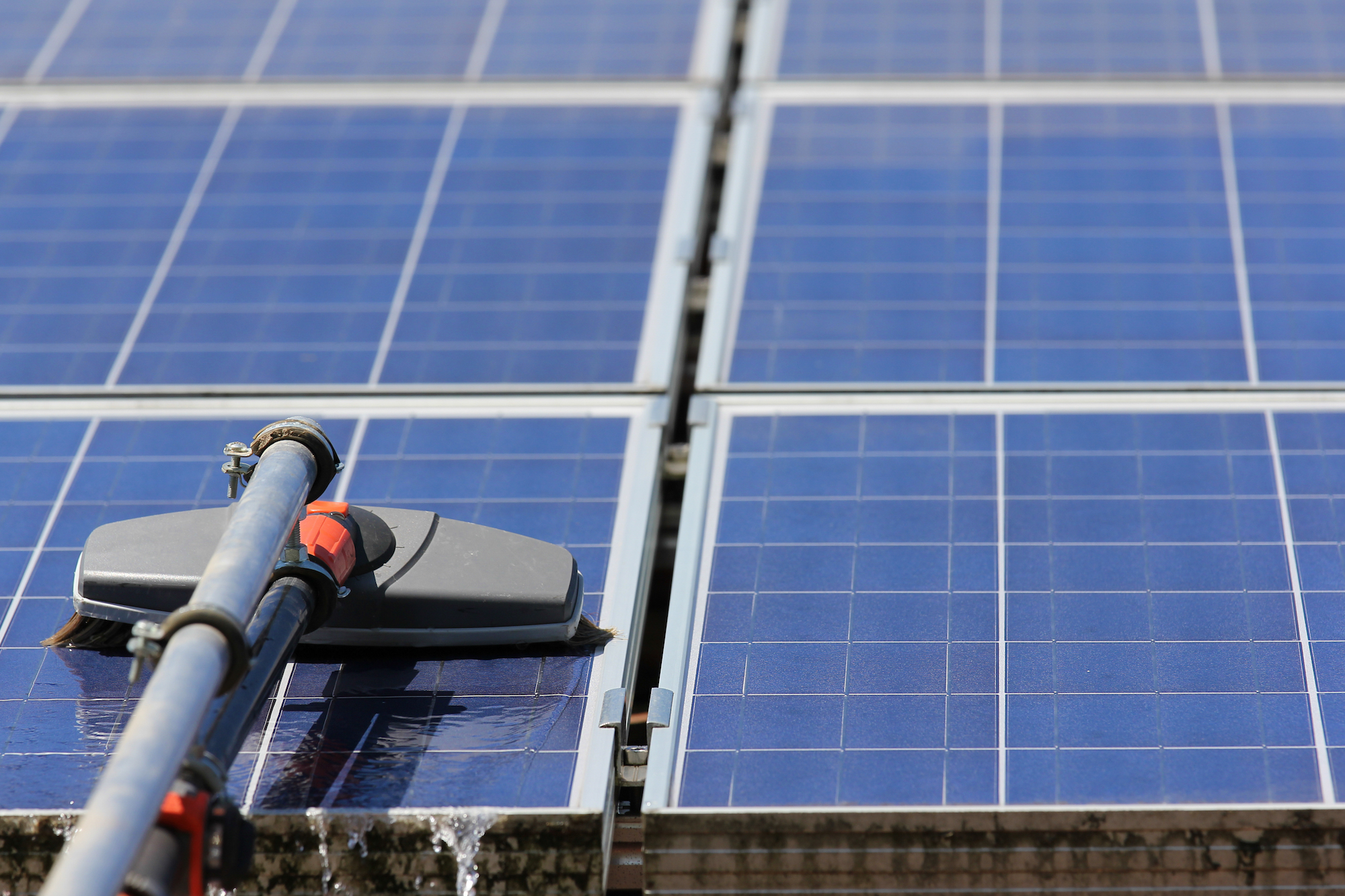 Solar panel cleaning in Melbourne