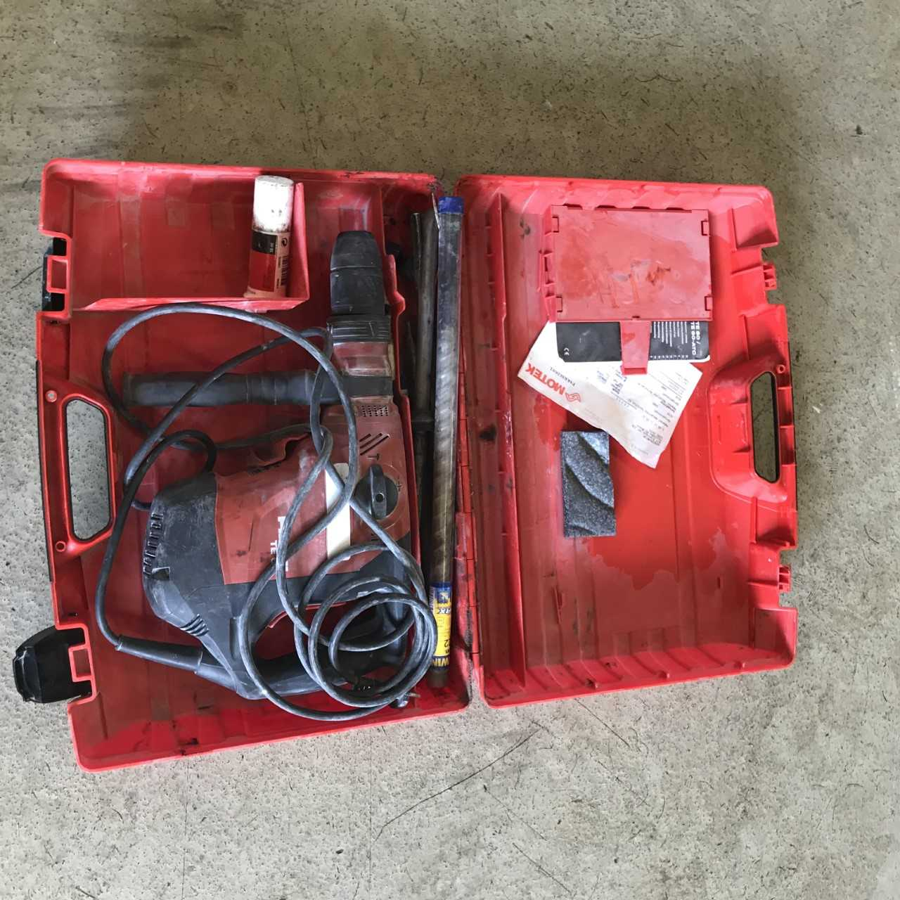Bilete av Hilti boremaskin