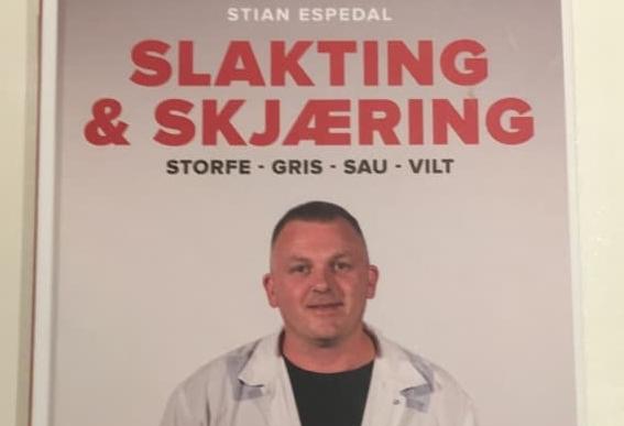 Stian Espedal gir ut bok om slakting og skjering