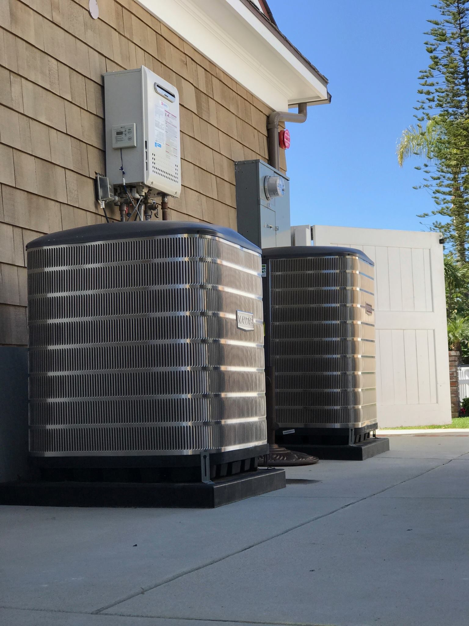 Air conditioning units installed by Senergy Heating and Air Conditioning