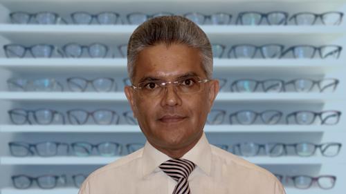 eyedeal vision optician Mac Magudia