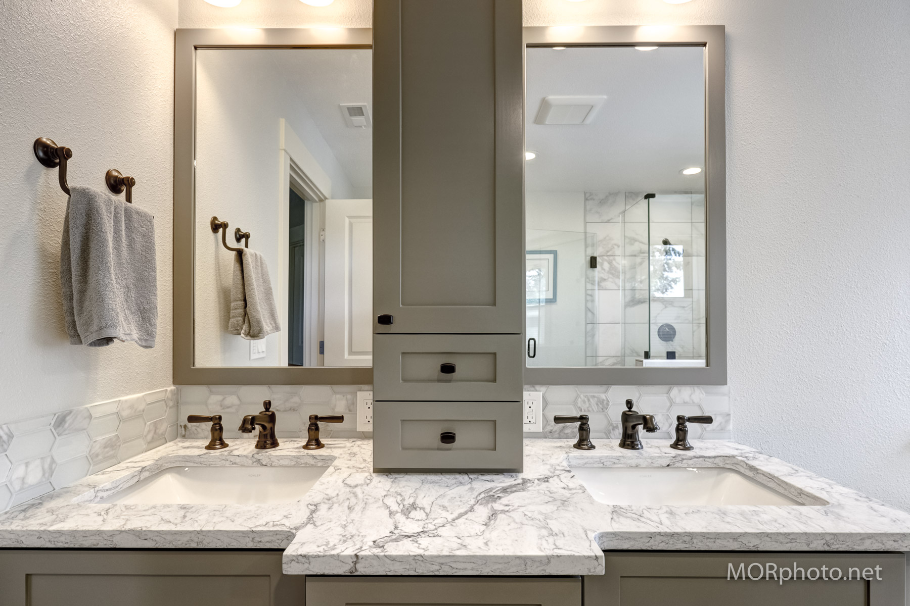 marble counter double vanity