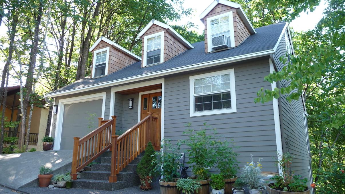 hardie siding with cedar shake gray house