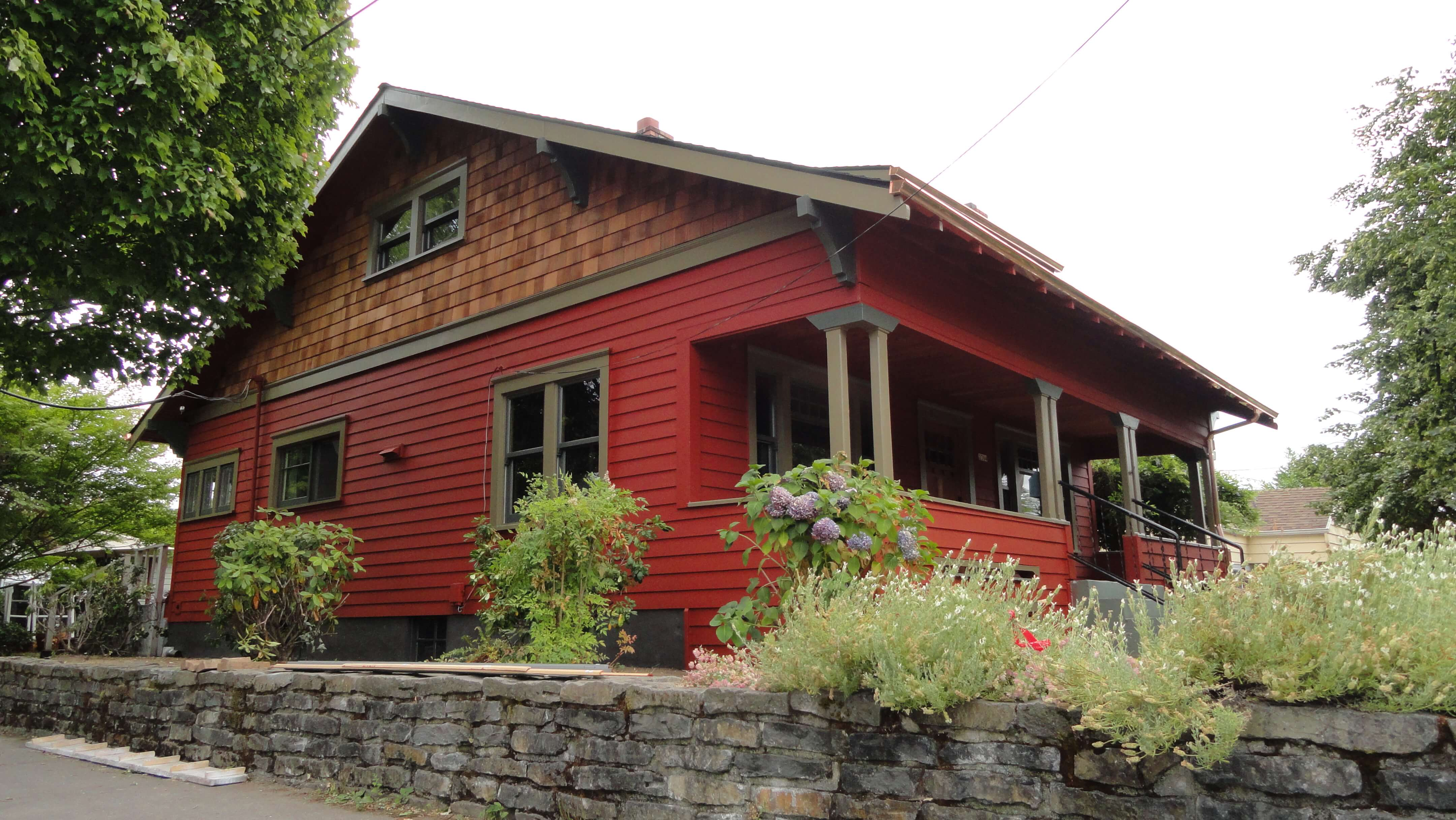 CEDAR LAP SIDING RED HOUSE