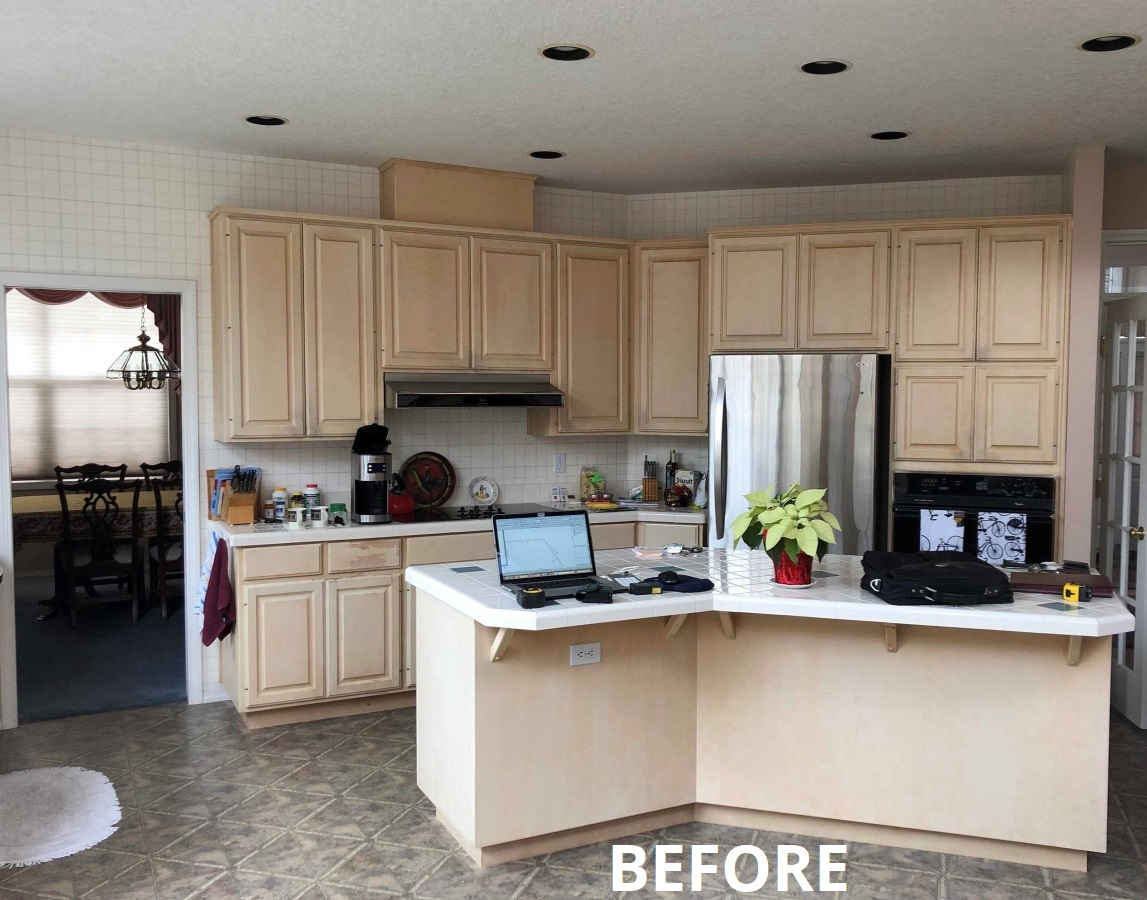 Kitchen remodel before Lifetime Remodeling Systems