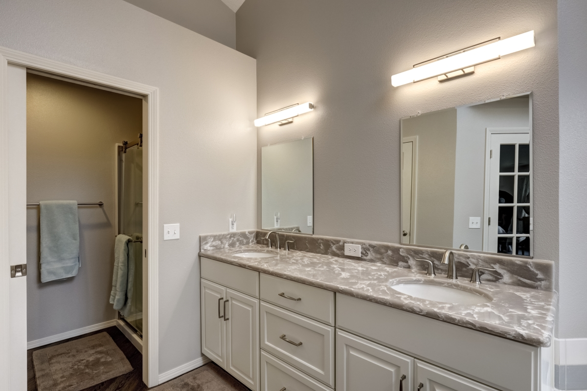 Master bath remodel double vanity after Lifetime Remodeling Systems