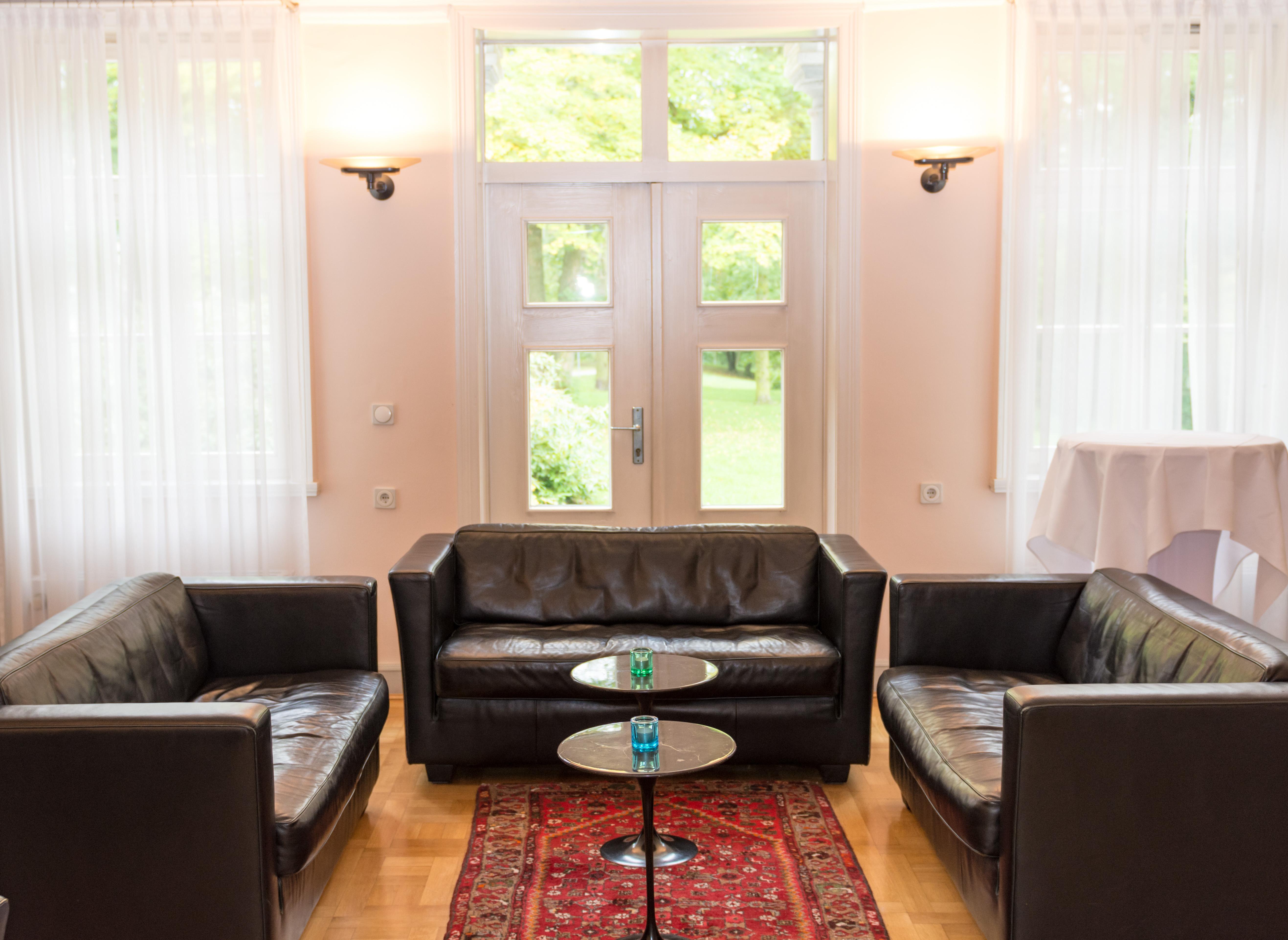 Verein Schloss Schönfeld Club Lounge