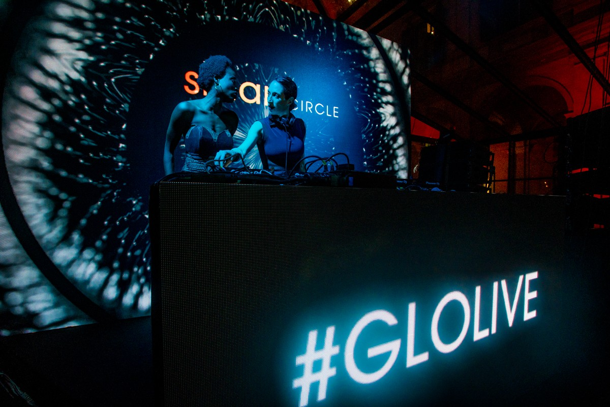To engage the audience of the GLO launch event we designed and performed a Branded Visual set for GLO featuring Burak Yeter and the opening act