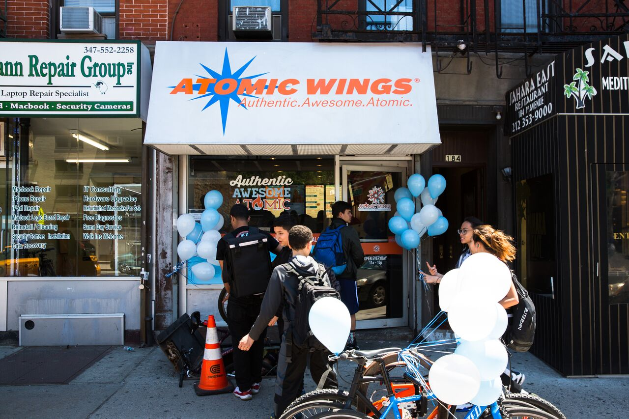 atomic wings gallery pic