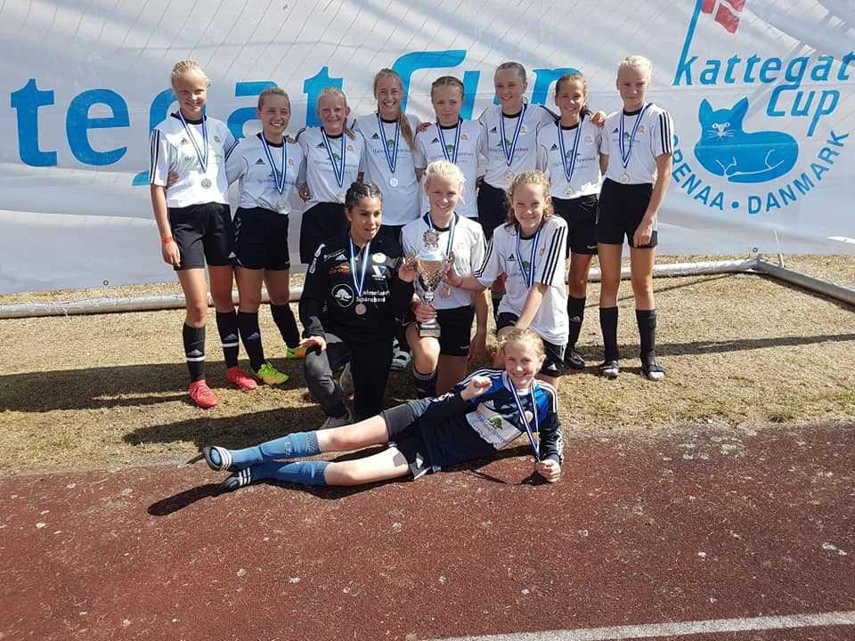 Fotballglede på Hjelmeland