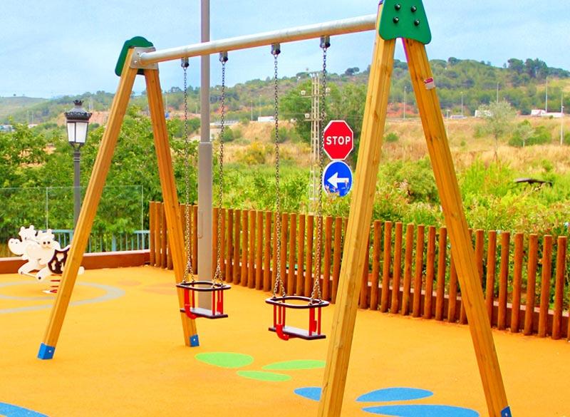 Wood framed cradle swing for infants