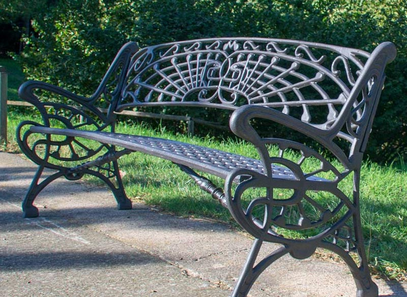 Elaborate metal bench design