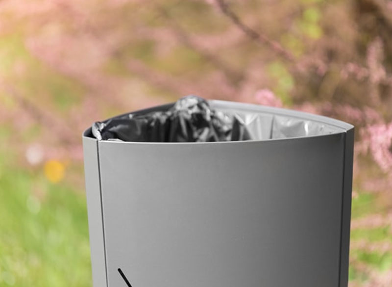 Compact outdoor durable litter bin
