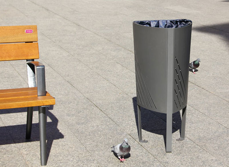 Compact outdoor durable litter bin with bench