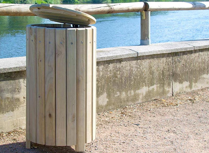 Wooden outside litter bin with lid for parks and public spaces