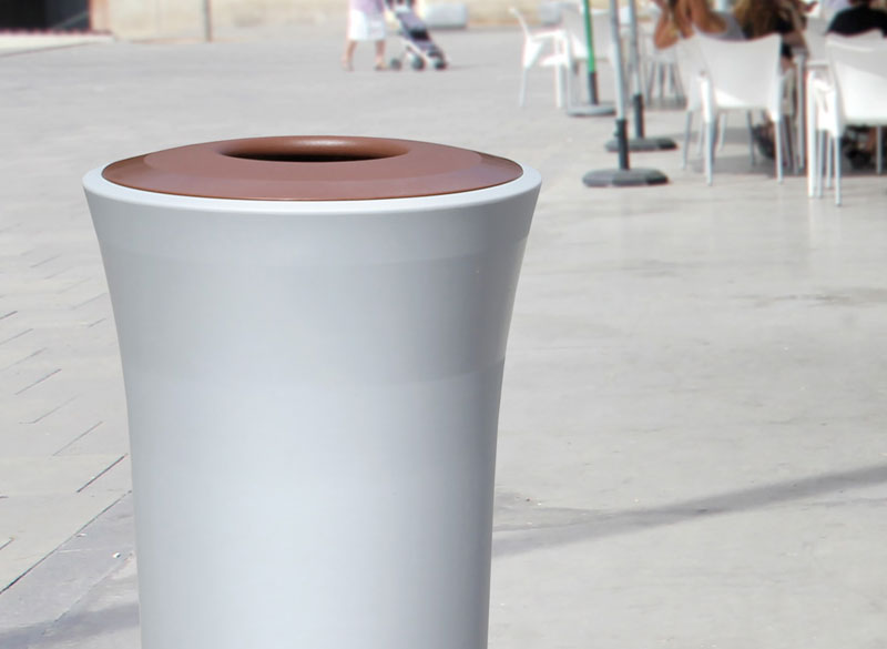 Polyethylene plastic outdoor litter bin with colour coded lid