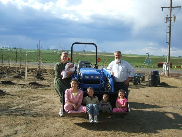 Everett and Sandra with children and grandchildren at Garden Gate Nursery