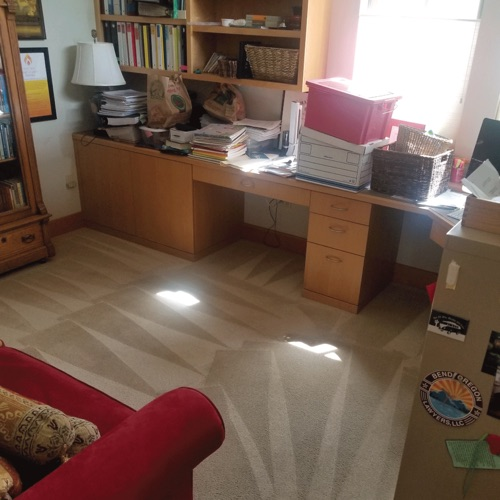 bend home office with clean carpets
