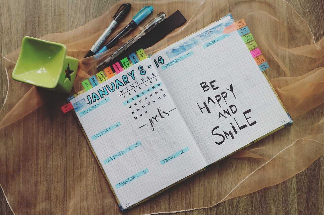 Find your coworker is falling behind? Maybe a weekly planner is the right gift from these desk organization ideas.