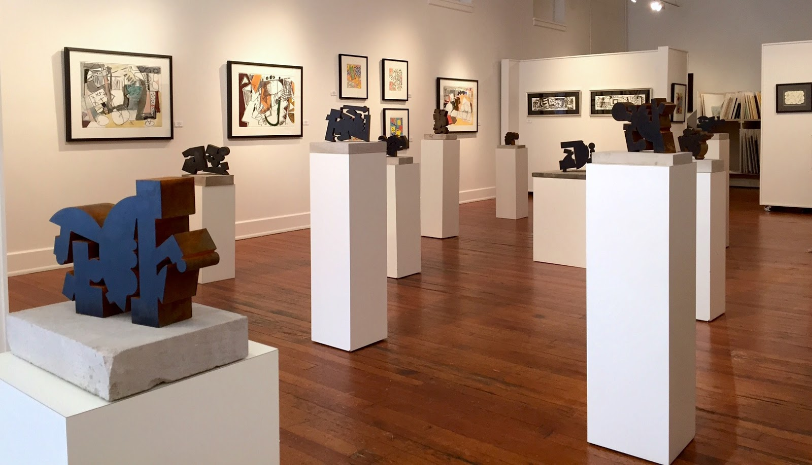 Art Gallery in short north