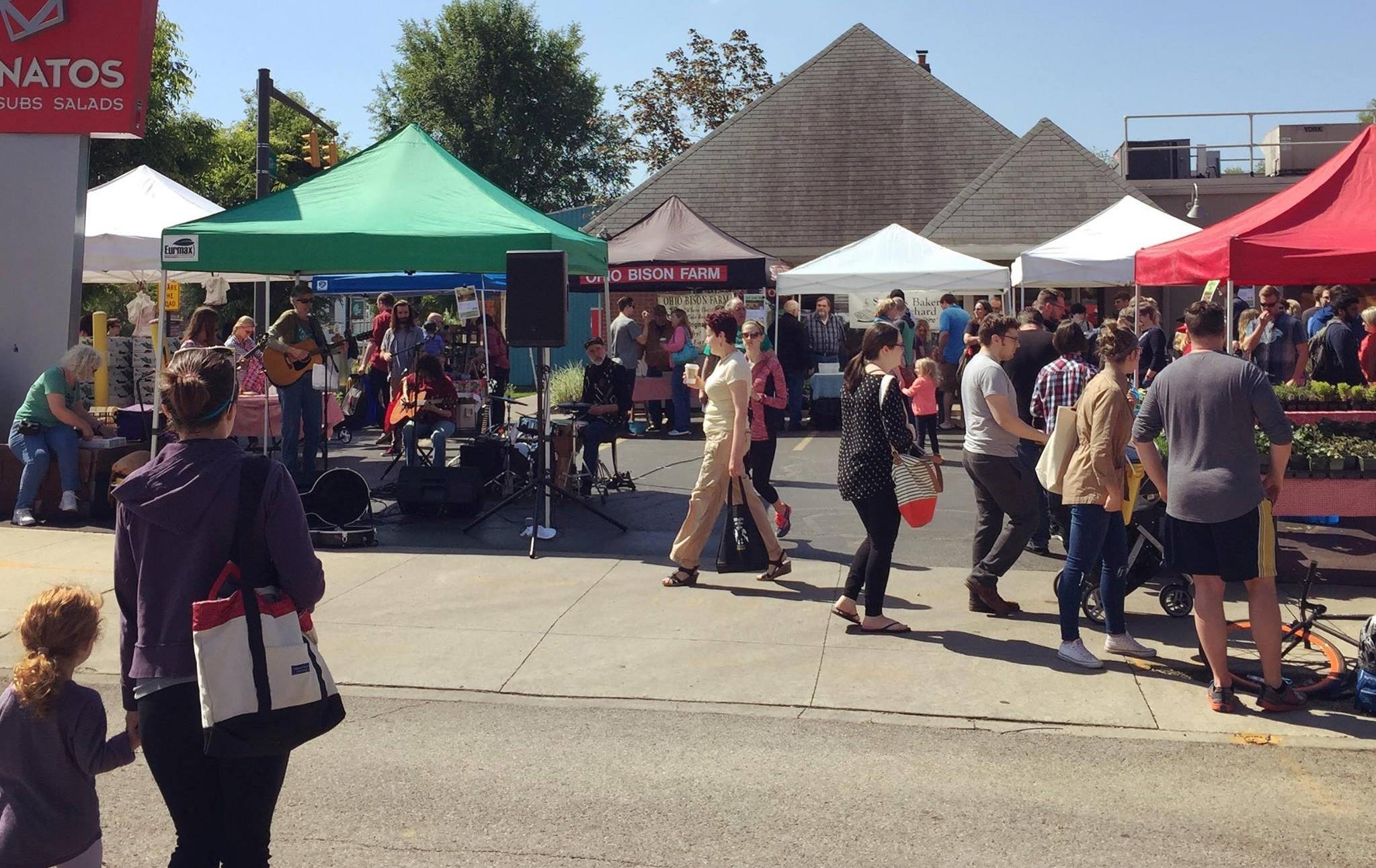 Clintonville Farmers' Market tent & people