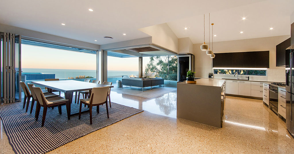 Gold Coast Luxury Dining Room Ocean Veiws