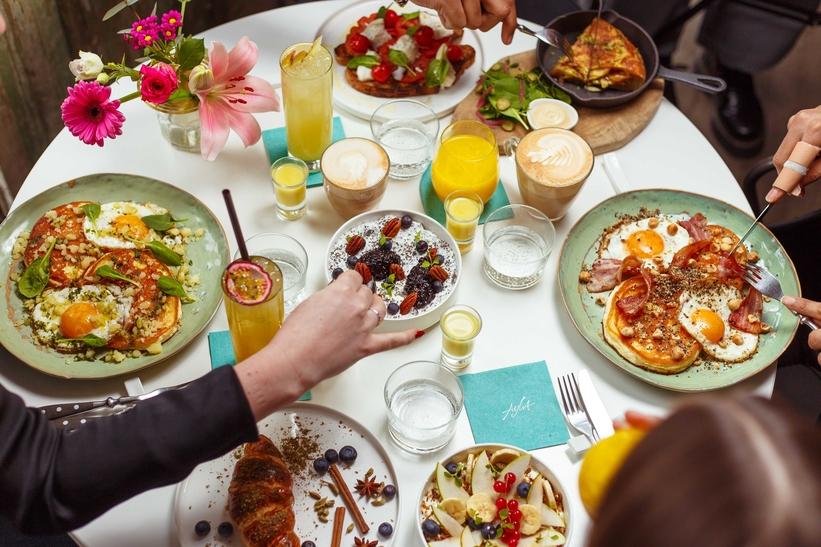 Brunch bij Ayla Rotterdam:pancakes, sandwiches, yoghurt en meer
