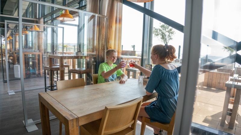 Bescherm uw personeel en uw klanten van uw restaurant met Impact Corona Schermen