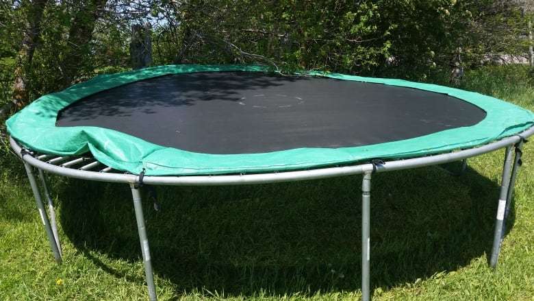 5-year-old sustains concussion, collapsed lung when trampoline ...