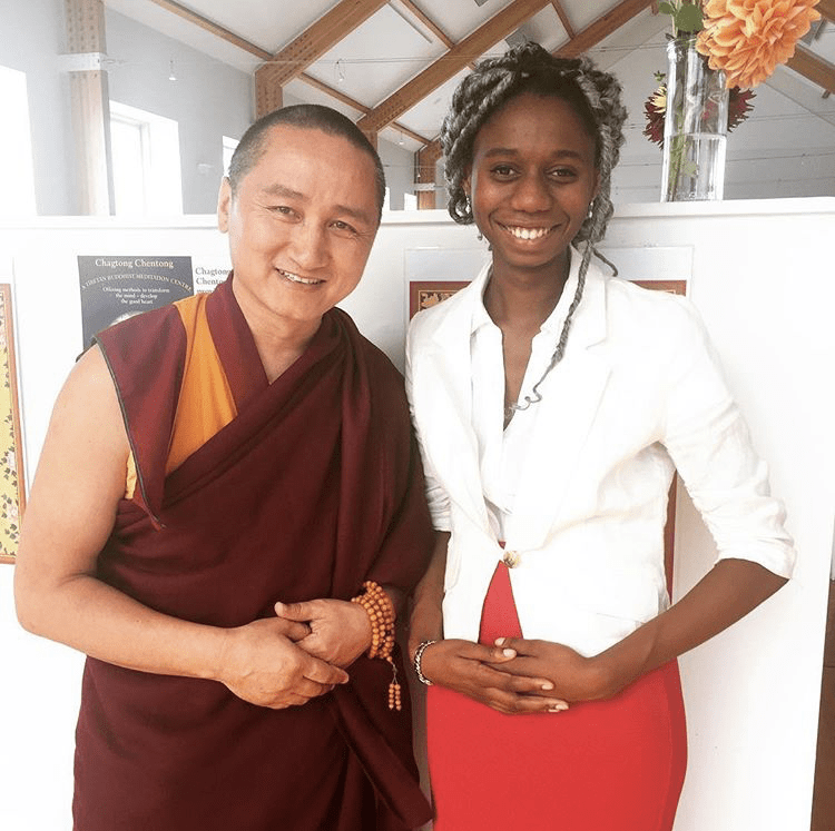 photo of Geshe Tenzin Zopa standing