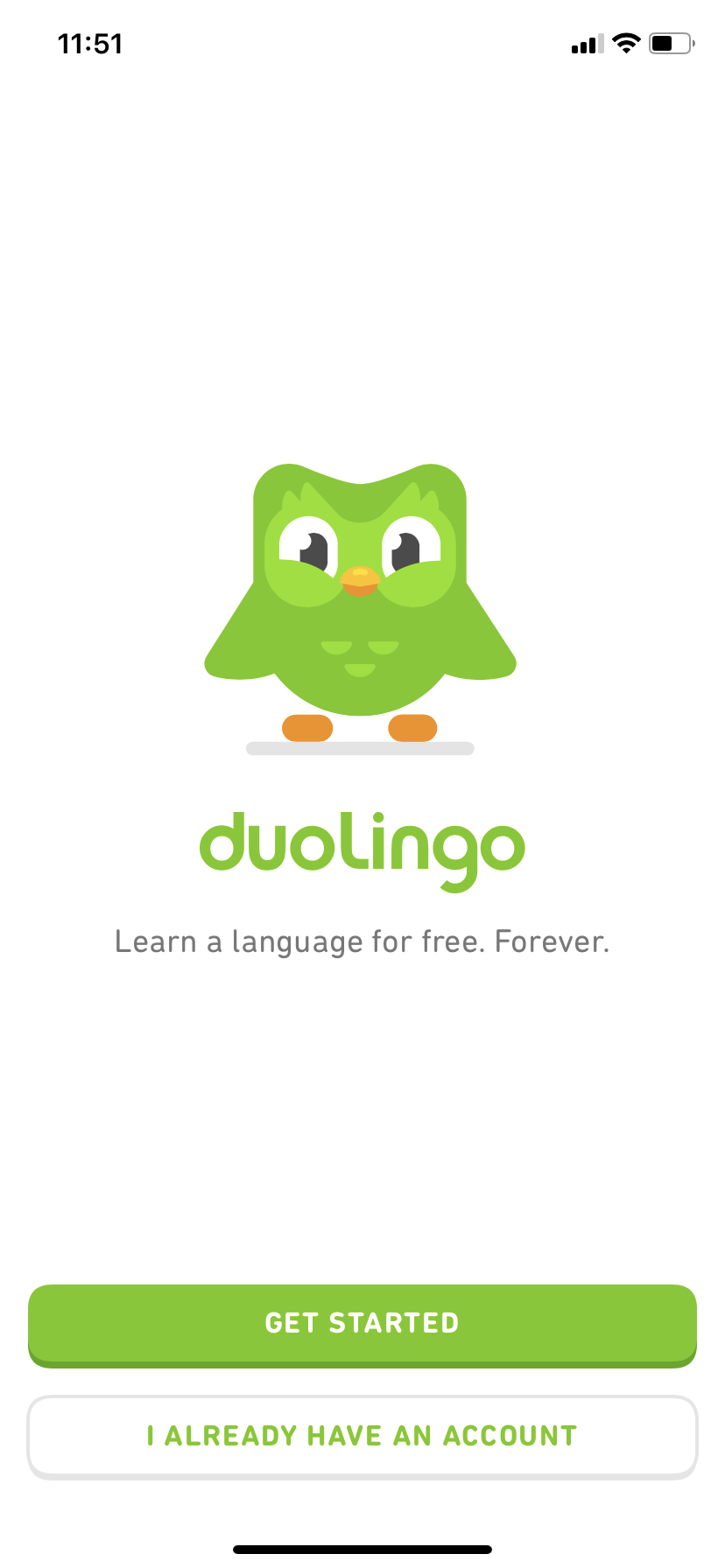 screenshot image of duolingo mobile app's user onboarding experience featuring the duolingo mascot. this is a great example of user onboarding for mobile. this is the duolingo signup screen