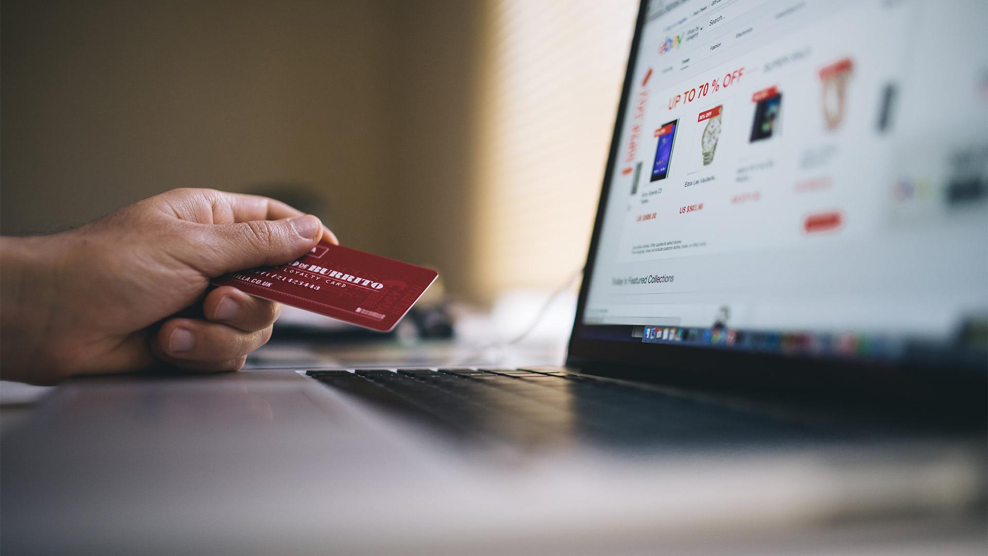 Shopify Versus WooCommerece: A Detailed Comparison