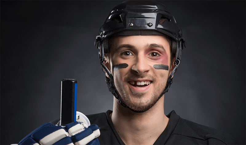 Hockey player missing teeth