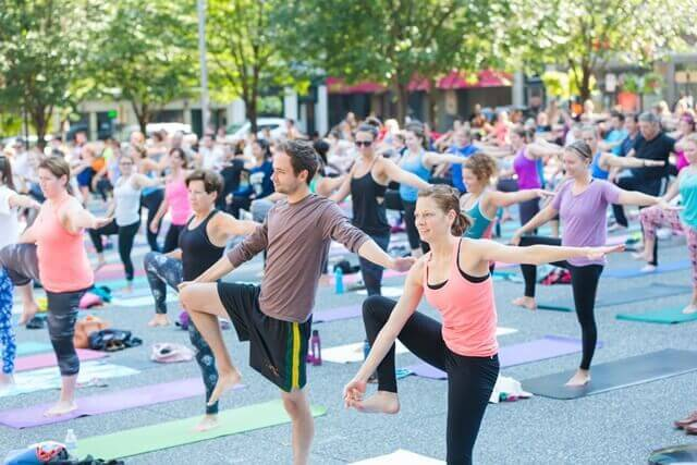 Pittsburgh yoga in the square