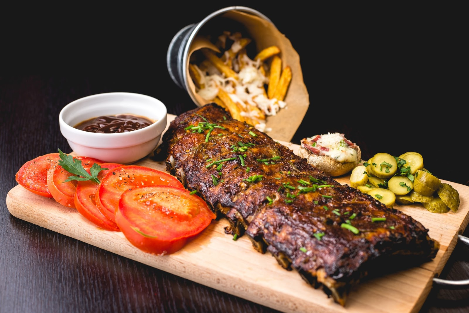 plate of barbecue ribs
