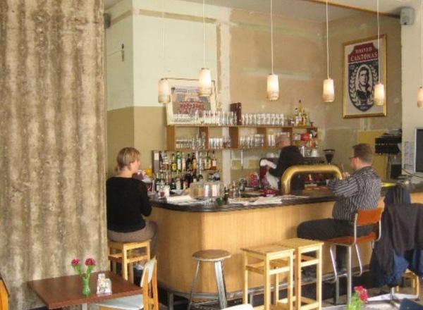 Cafe Cantona