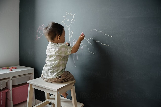 baby drawing on wall