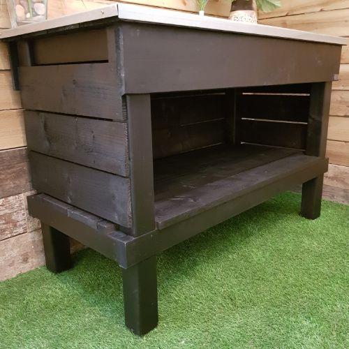 Optional full depth enclosed log storage