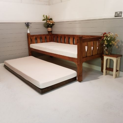 Wooden Daybed with Trundle