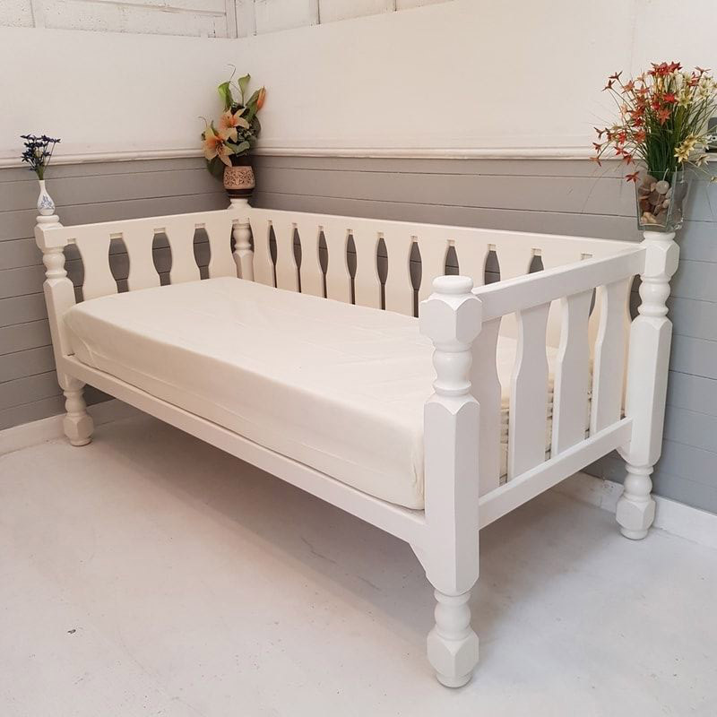Wooden Daybed with Mattress