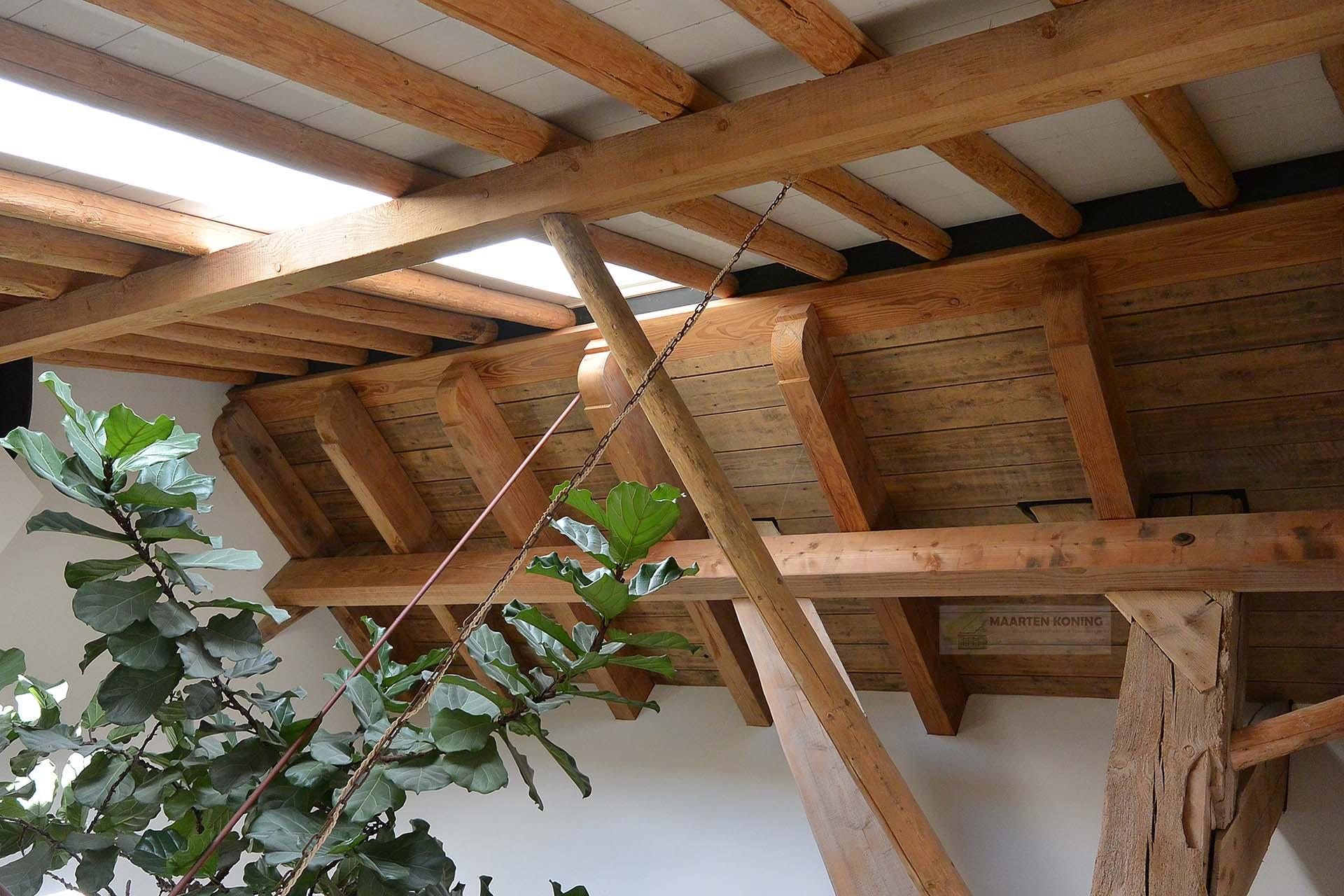 Nieuwbouw stolp met schuur
