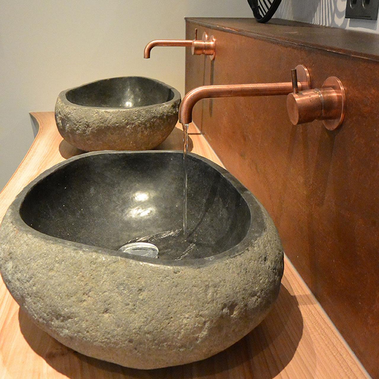 badkamer met geborsteld koper