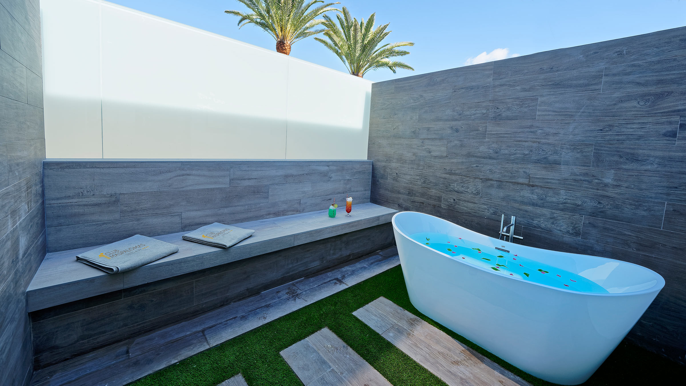 Double deluxe with outdoor bath and double terrace
