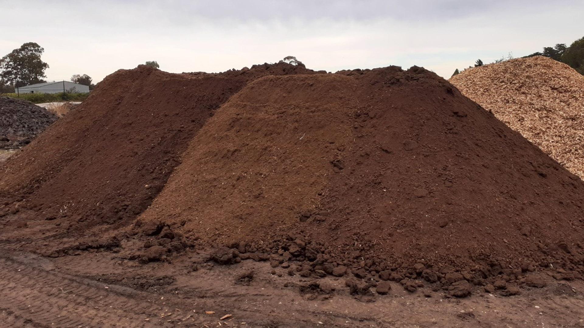 Green mulch pile at Gippsland Regional Livestock Exchange.