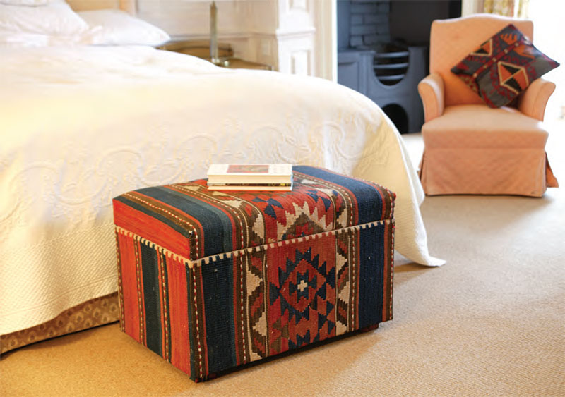 Nomad Ideas Small Ottoman
