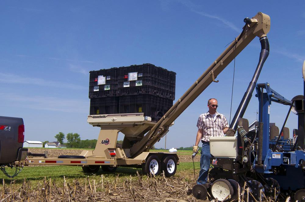 Seed Pro® Bulk Box Tender