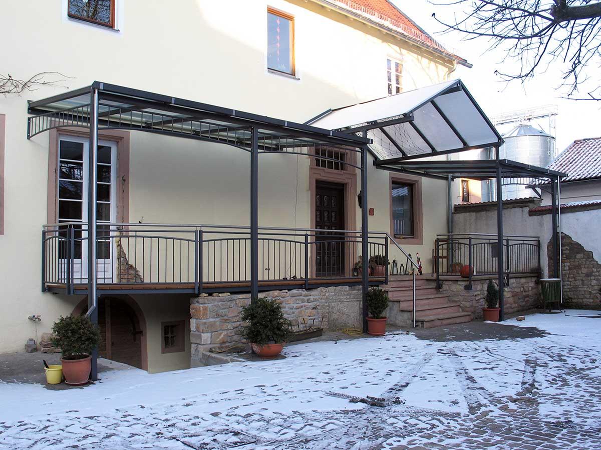 Überdachungen, Vordächer, Vordach, Windfang, Witterungsschutz